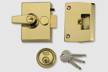 Nightlatch installation by Harrow master locksmith